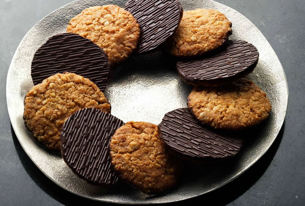 Seasonal Recipe – Chocolate Hobnobs